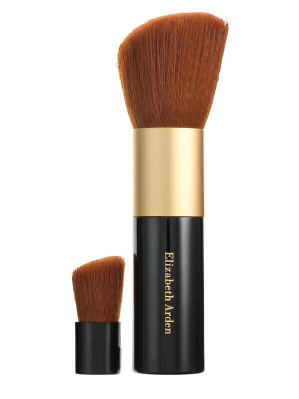 Elizabeth Arden Mineral Makeup Face Powder Brush i gruppen Makeup / Borstar & verktyg / Borstar för ansiktsmakeup hos Bangerhead (B010454)