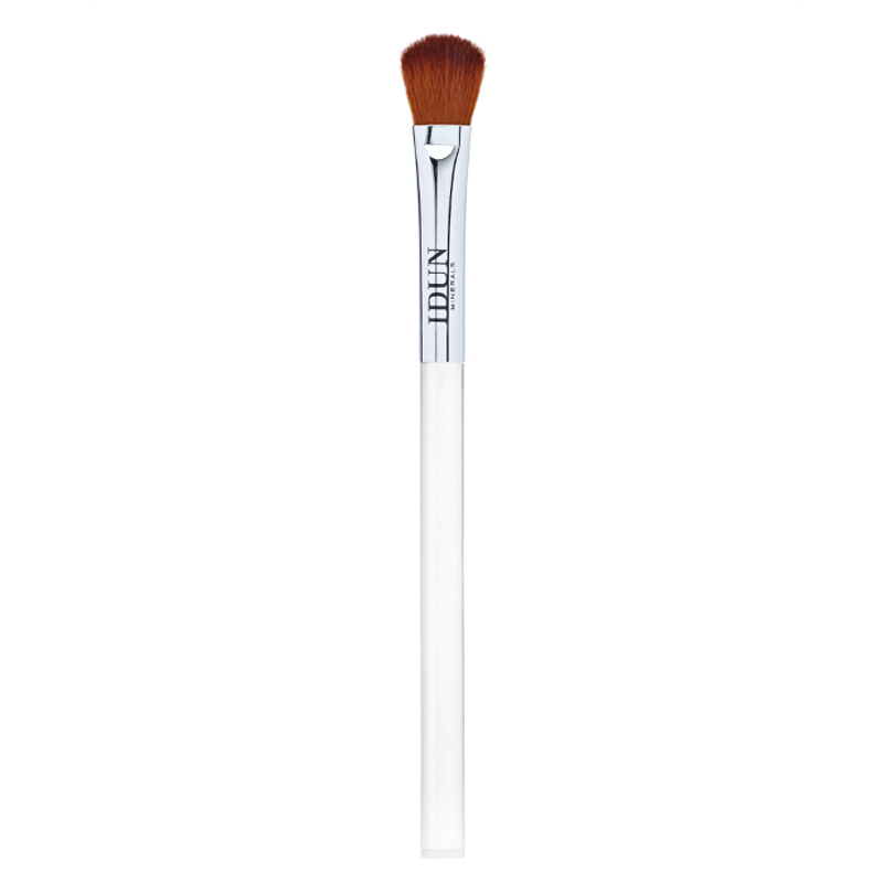 Idun Minerals Angled Blending Brush
