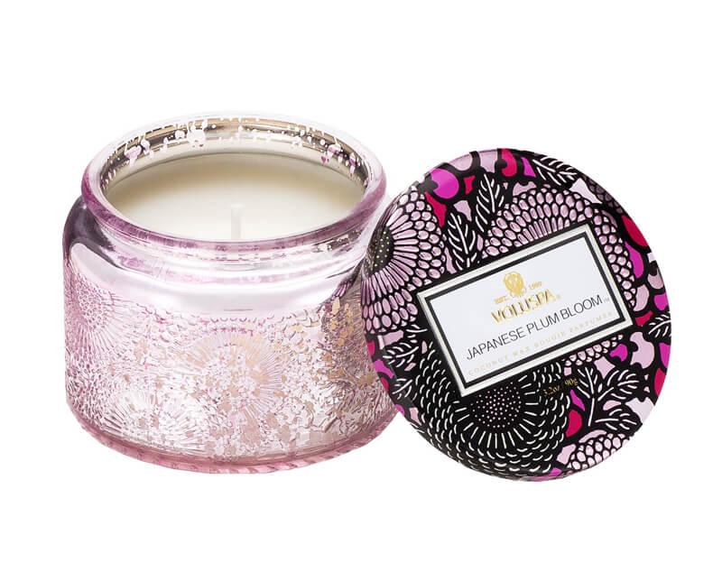 Voluspa Japanese Plum Bloom i gruppen Parfume & duft / Duftlys & duftpinde / Duftlys hos Bangerhead.dk (B023937r)