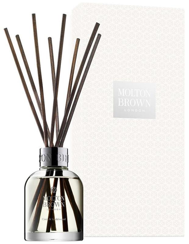 Molton Brown Coco & Sandalwood Aroma Reeds (645g) ryhmässä Vartalonhoito & spa / Koti & Spa / Tuoksutikut at Bangerhead.fi (B024641)