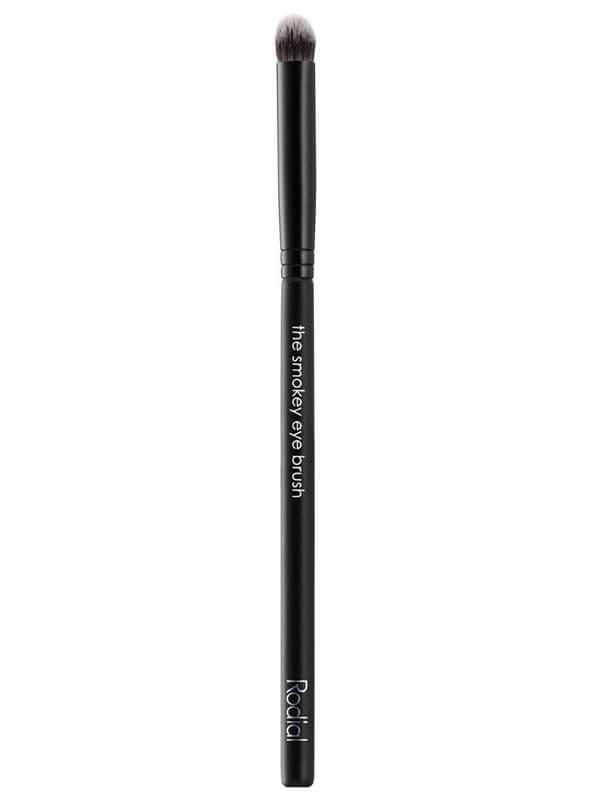 Rodial Smokey Eye Brush ryhmässä Meikit / Siveltimet & tarvikkeet / Silmämeikkisiveltimet at Bangerhead.fi (B025240)