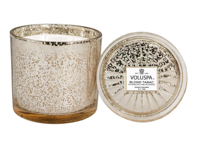 Voluspa Blond Tabac Grand Maison Glass Candle (100h) ryhmässä Vartalonhoito & spa / Koti & Spa / Tuoksukynttilät at Bangerhead.fi (B025781)