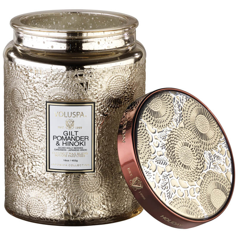 Voluspa Large Glass Jar Candle - Gilt Pomander & Hinoki i gruppen Kroppspleie & spa / Hjem & Spa / Duftlys hos Bangerhead.no (B036708)