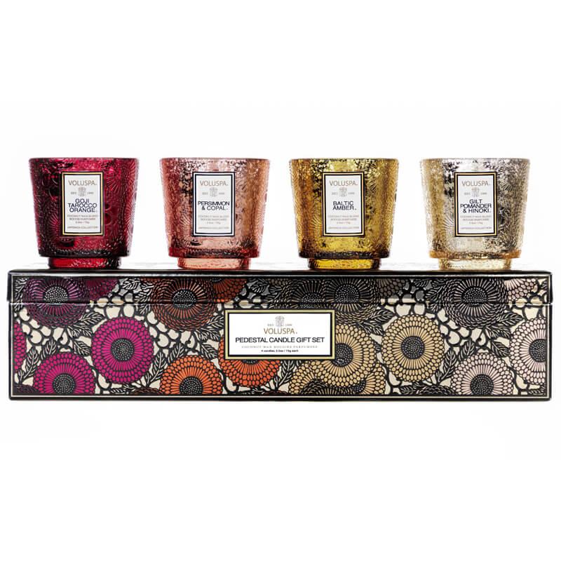 Voluspa 4 Pcs Pedestal Gift Set i gruppen Parfym & doft / Doftljus & doftpinnar / Doftljus hos Bangerhead (B036710)