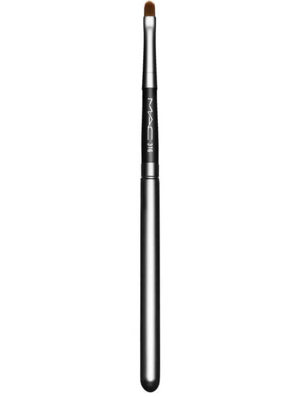 MAC Cosmetics Brushes 316 Lip/ Covered i gruppen Makeup / Makeupbørster / Leppepensler hos Bangerhead.no (B040989)