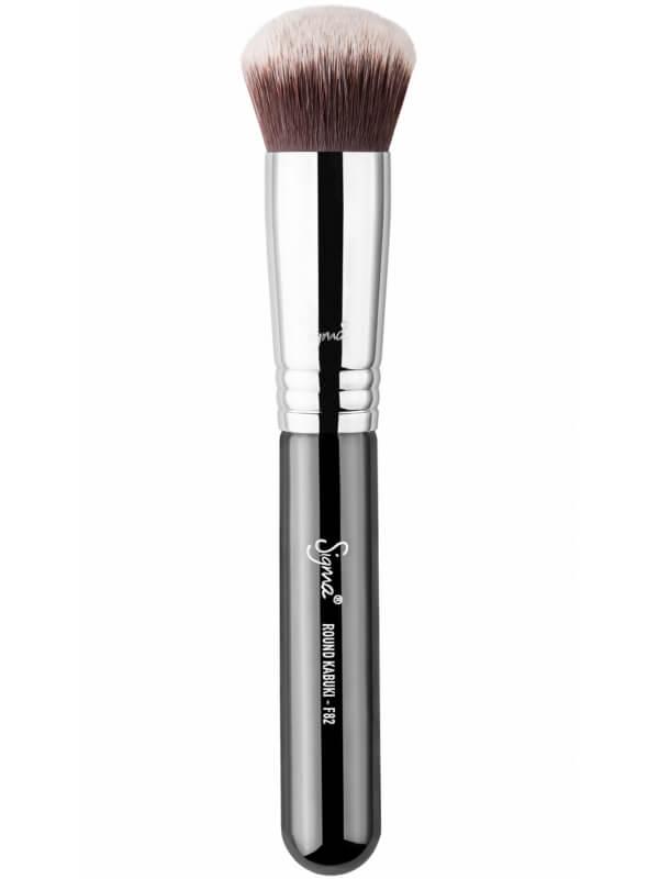 Sigma Beauty F82 Round Kabuki Brush ryhmässä Meikit / Siveltimet & tarvikkeet / Kasvomeikkisiveltimet at Bangerhead.fi (B044686)