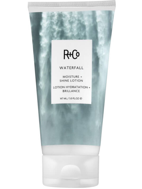 R+Co Waterfall Moisture + Shine Lotion (147ml) i gruppen Hårpleie / Styling / Finishing hos Bangerhead.no (B044717)