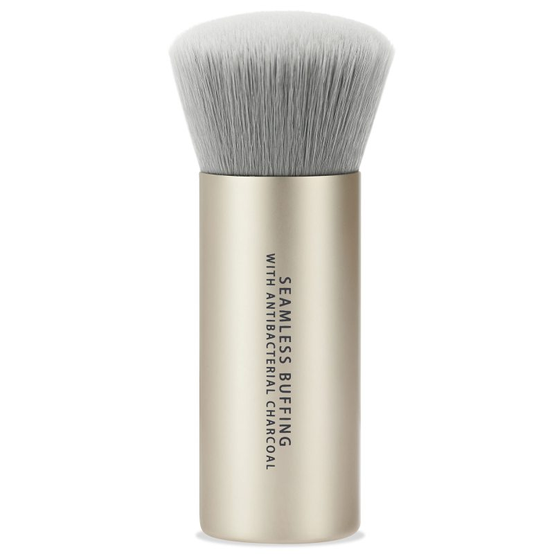 bareMinerals Seamless Buffing Brush With Antibacterial Charcoal i gruppen Makeup / Børster & verktøy / Børster for ansiktsmakeup hos Bangerhead.no (B046334)